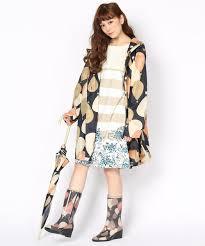 梅雨の季節にお勧めのファッションアイテム